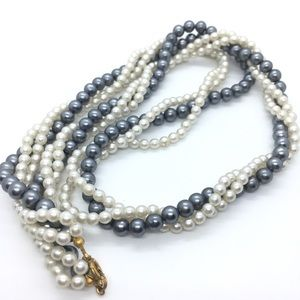 Jewelry - Acrylic Faux Pearl Twist